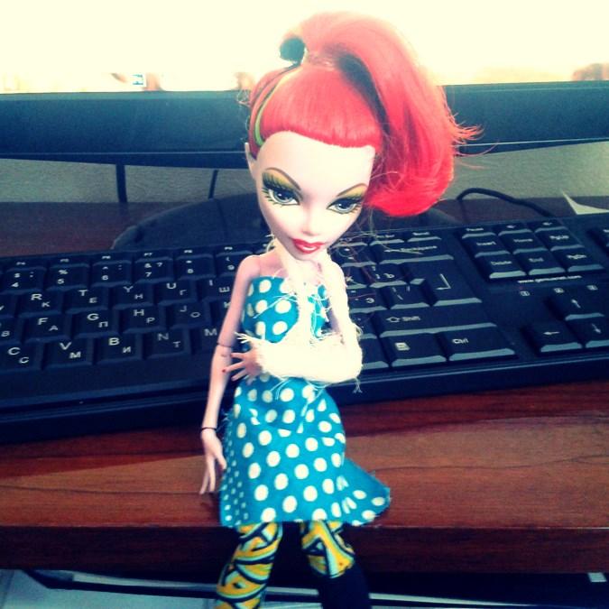 operetta Кукла Оперетта (Monster High) сломала руку